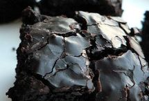 Desserts / by Krista Rasanen