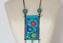 Textilní šperky