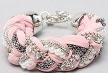 ○ Bracelets ○