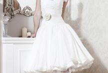 Beach Formal - White / Pukeutumisideoita häävieraillemme! Ideas para la vestimenta de nuestros invitados Ideas for attire for our wedding guests