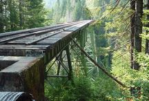 Trains and bridges... / Trains and bridges