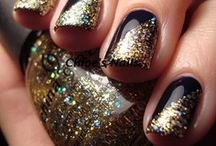 supergirl nails#black and gold nails