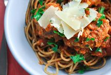Healthy Family Meals / Ways to make your family's favorite #recipes, with a #healthy twist.