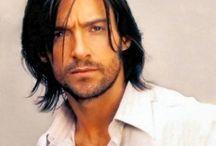 Tagli uomo capelli lunghi
