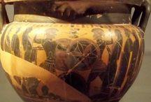 VASELLAME GRECO ED ETRUSCO A FIRENZE E ALTROVE / Dal Museo archeologico di Firenze e da altri musei italiani e stranieri