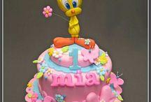Twetee cakes