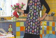 Sesión Mandiles / Cocina con todo el estilo usando uno de los divertidos mandiles de Abrazos!! / by Abrazos San Miguel Designs