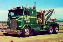 American F-Tow Wrecker Trucks (2)-Oldtime Models / Oldtime American Tow Wrecker Trucks.
