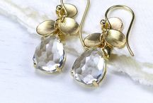 April Birthstone - White Topaz/Diamond / Diamonds are purported to bring the benefits of clarity and abundance. As far as April birthstone jewellery is concerned we offer white topaz as an alternative as it has a lovely sparkle and is a less expensive stone. The word 'topaz' is related to the Sanskrit 'tapas', meaning 'heat', or 'fire' and topaz is the symbol of friendship. Topaz is available in many different colours and can be found in Russia, Pakistan, the United States and many other European countries.