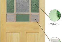 室内ドア / やわらかな木目の木製内装ドア。