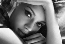 Monochrome Portraiture / Monochrome portrait, fine art and boudoir images