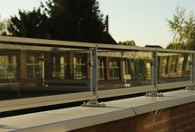 Glashekwerken / Glashekwerken en balustrades geproduceerd en gemonteerd door Renoparts. Maatwerk geheel naar wens.  Renoparts glasbalustrades zijn voorzien van veiligheidsglas, dit is glas opgebouwd uit 2 lagen glas met tevens 2 folies.