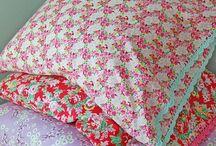 Coussins, draps, textiles