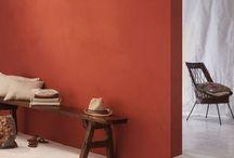 La Chaux / La Chaux est une peinture mate veloutée. Son mat absolu donne une profondeur et une intensité inégalées aux teintes du nuancier.