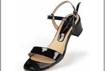 Sandale grande taille femme / Sandale chic ou modèle décontracté estivale les sandales grandes pointures habillent vos pieds avec confort et esthétisme. / by Mode Grande taille