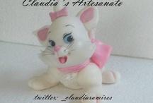 pisicile aristocrate / by Viorica Dinu
