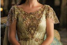 Ideas Royal fashion look / Dress ideas.