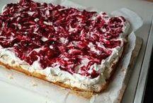 kage med marings og hindbær