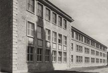 Gebäude der HfTL / Im Lauf der Zeit hat sich die HfTL seit der Eröffnung im Jahr 1953 bis heute verändert.