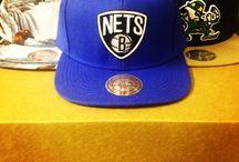 Casquettes de baseball / Nous avons rassemblé la plus large collection de casquettes en ligne pour nous assurer que vous puissiez trouver la parfaite casquette cette année. Trouvez des casquettes des plus grandes marques chez Village Hats.