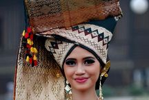 traditional costume indonesia