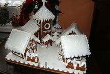 I ♥ Gingerbread / I love a good gingerbread house!  No better way to get in the holiday spirit!