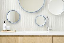 BATHROOM & BEAUTY CLOSET / Nos idées et inspirations pour aménager, organiser et décorer votre salle de bain et vos étagères beauté... pour avoir envie d'y passer des heures!