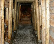 Our own minning tunnel / You can experience a real mining atmosphere in our own mining tunnel right under the guesthouse.