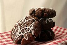 Good Enough to Eat: Desserts | Cookies, Bars & Brownies / by Kortney Korthanke