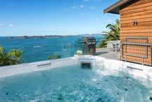 Cloud 9 - Luxury Villa overlooking The Bay of Islands / Cloud 9 is blessed with views across both the Pacific Ocean and the Bay of Islands in which Russell nestles.   Cloud 9 is on a private road and benefits from beautiful natural bush surroundings. There are panoramic unobstructed views of the coast, the land, the ocean and Long Beach, one of the safest swimming beaches in Russell.