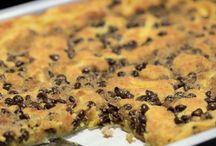 Must Bake | Cookies & Brownies / by Amanda Castilliano
