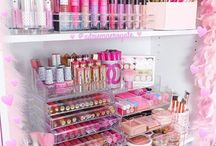 My Studio Inspiration / Transforming my boring craft room into a sea of pink and aqua bliss.