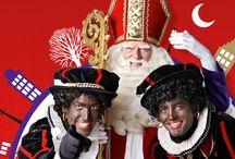 Sinterklaas - Amsterdam / In 1924 was er al een Sinterklaas intocht. De eerste officiële intocht van Sinterklaas in Amsterdam was op 1 december 1934; sindsdien zijn er intochten in Amsterdam (behalve in 1944). Op dit bord vele foto's, filmpjes, weetjes...