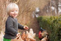 Børn og Høns / Dejlige billeder af børn og høns.
