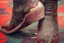 Shoes.⇝