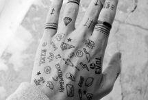 dibujos en las manos/brazos