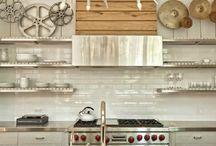 spaces: kitchens / by Bouran Qaddumi