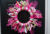Wreaths/Felt Flowers / by Tracy Knipper
