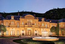 Homes of the Rich and Famous / by Lena Sauceda