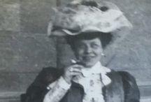 Lidé, kteří cestují po světě v časném 1900s / Historický výzkum lidí, kteří byli po celém světě v roce 1902 a 1906. Poznáváte jeden z vašich předků?