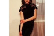 Małe Czarne Sukienki (Little Black Dresses)