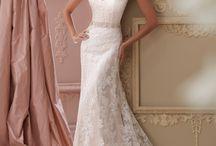 Wedding dresses / by Kristi Hagler-Mason