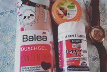 My Insta photos Mini #drogeriemarkt #haul  éljen a #lajhár tusfürdő! #balea #borntobelazy #alverde #körperbutter