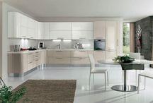 Cucine / Cucine componibili su misura sia classiche che moderne
