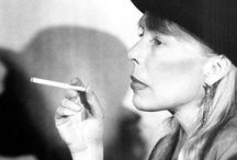 Joni Mitchell / Fantastic singer, beautiful lyrics, amazing person.