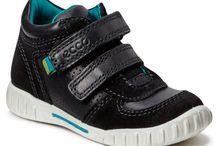 Buty dla dzieci - półbuty / Obuwie dla dzieci znanych i cenionych marek takich jak Clarks, Ecco, Nike, Adidas  http://www.bestsport.com.pl/Polbuty,38,c/Dzieci,3,x/