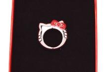 Love Hello Kitty / by Runa .