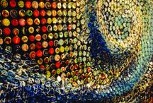 """Luigi Masecchia - Progetto tappo'st / Un progetto """"bello e buono"""" di un artista contemporaneo partenopeo, Luigi Masecchia, classe 1975: ha realizzato una serie di opere """"pop"""" per valorizzare il tema del riciclo e del rispetto per l'ambiente."""