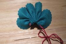 Felt flower ideas & tutorial / by mehrunesa abdul aziz