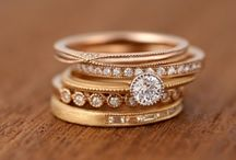 Jewelry / Board with some rings, earrings, necklace, bracelet